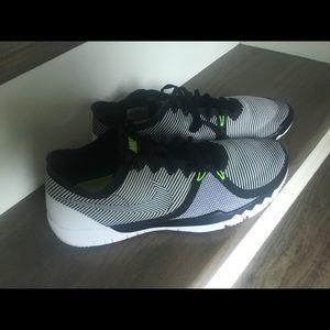 f1d920dab59c Men s Black And Lime Green Nike Shoes on Poshmark